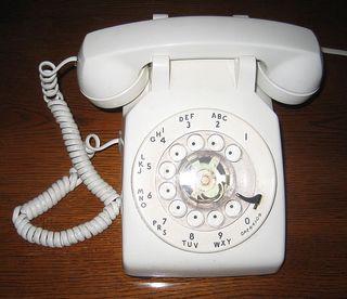 696px-BellWesternElectricRotaryPhoneA