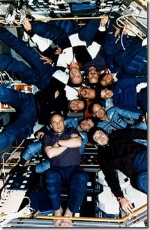 STS71Mir18Mir19CrewGPN-2002